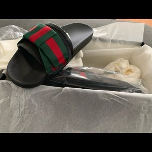100% Authentic NEW Gucci Bow Slides
